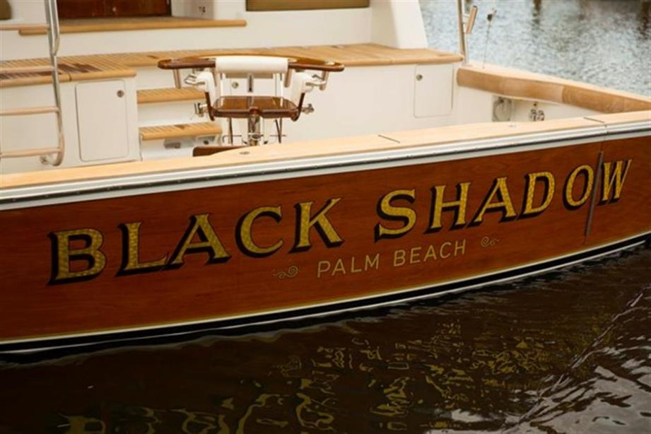 yacht Black Shadow