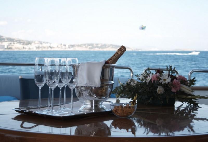 картинка яхта и шампанское большой