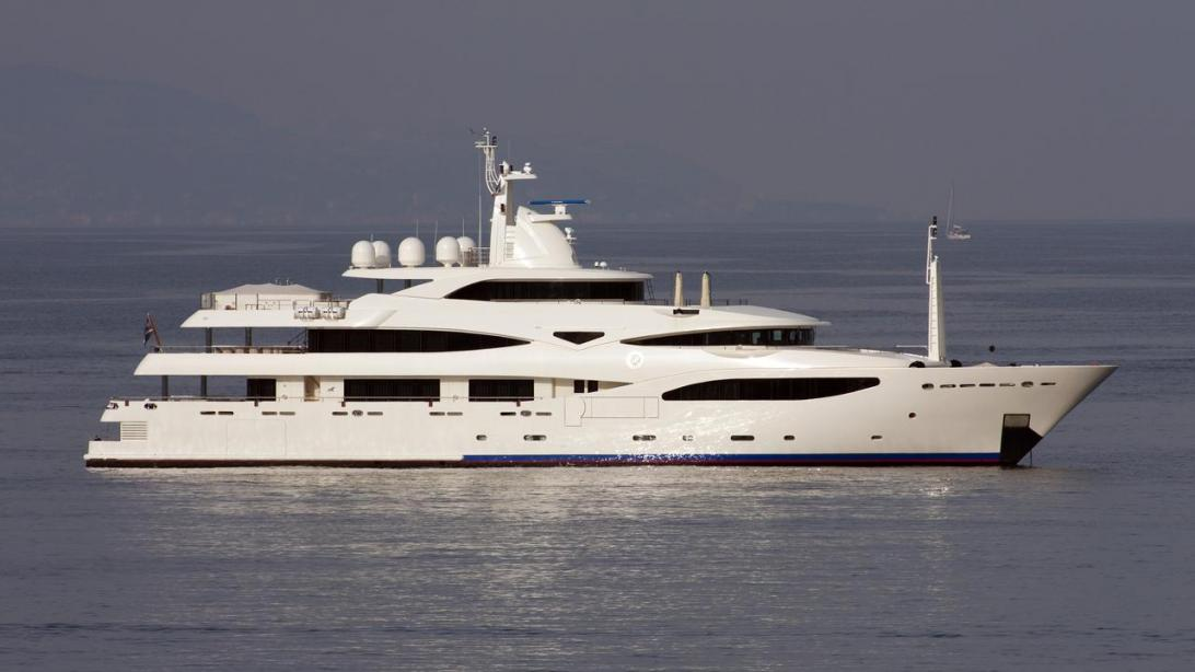yacht Royal Rubin