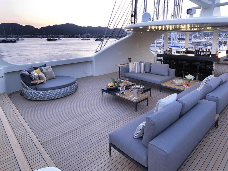 yacht Lord Of The Seas