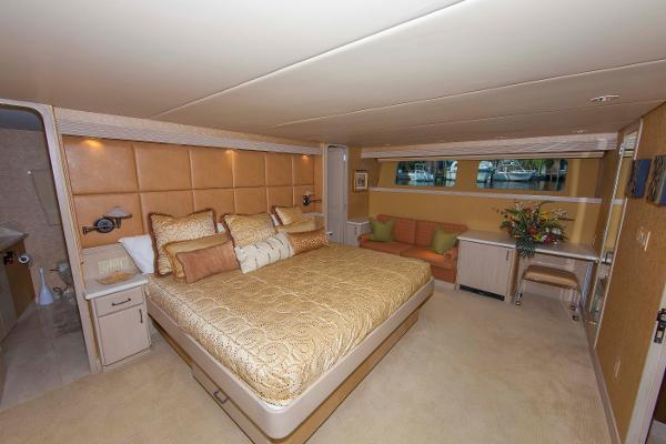 yacht Golden Touch