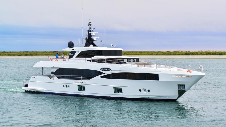 yacht Majesty 100/04