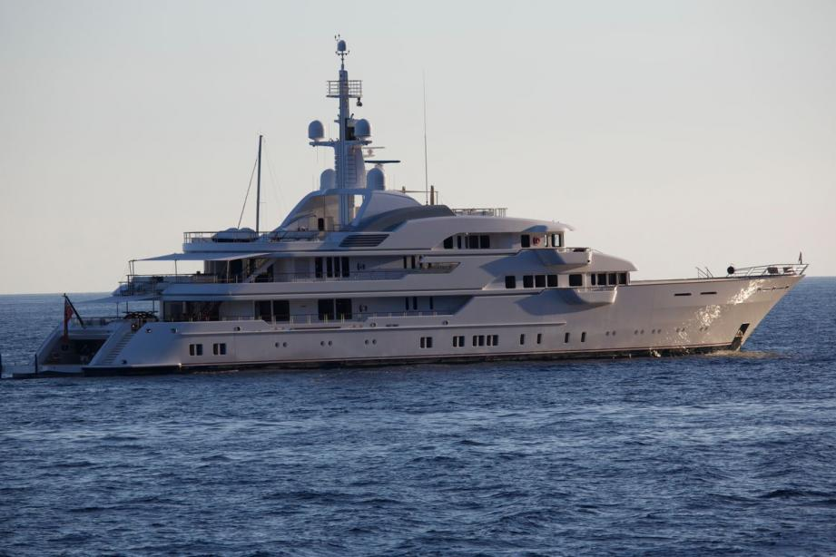 yacht Hampshire II