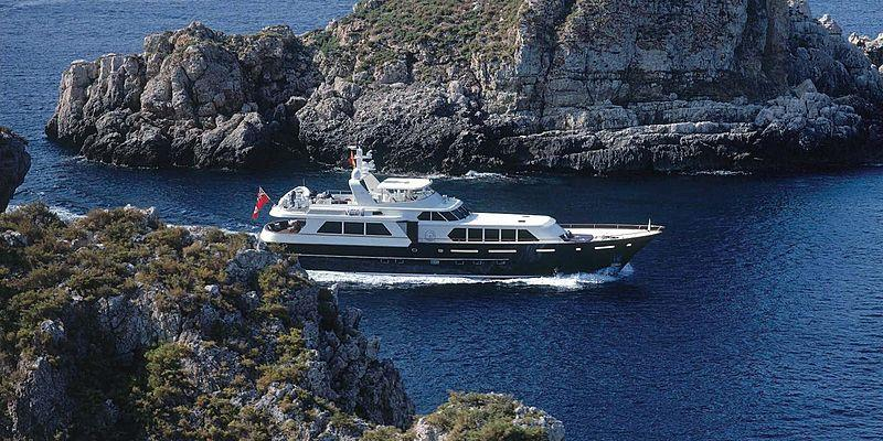 yacht Cassiopea