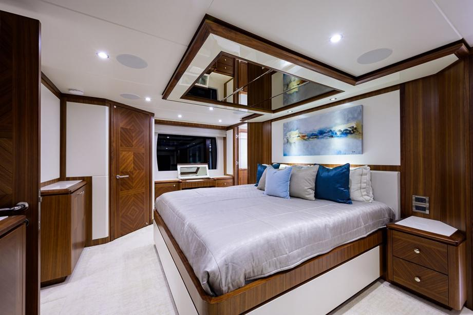 yacht Seven Diamonds