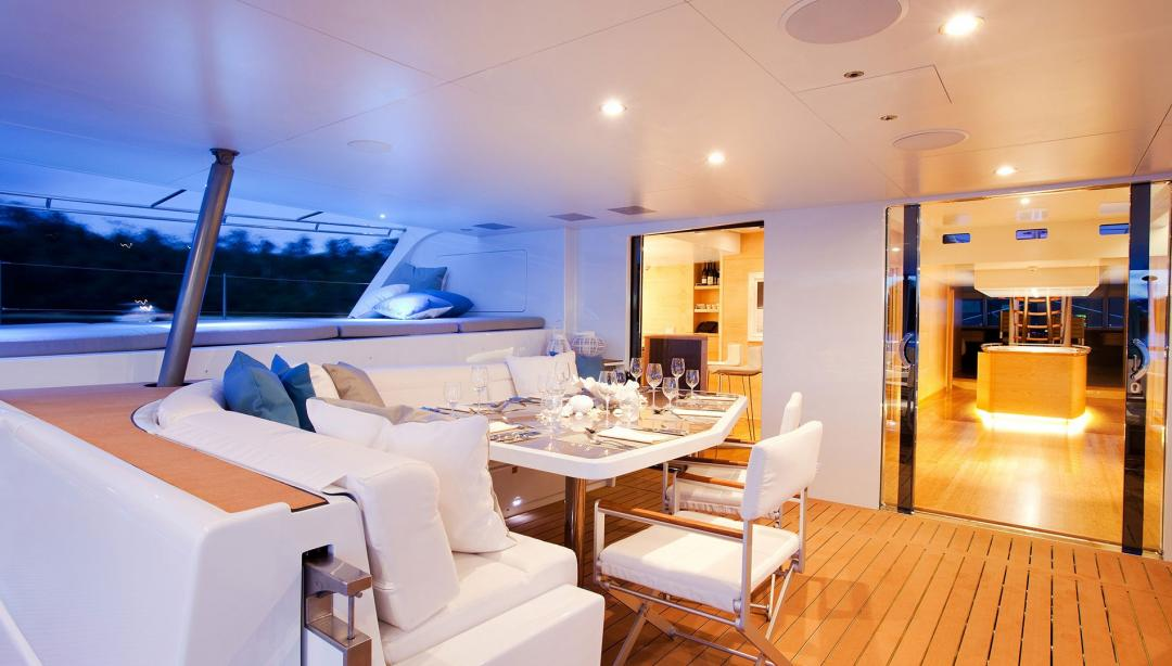 yacht Necker Belle